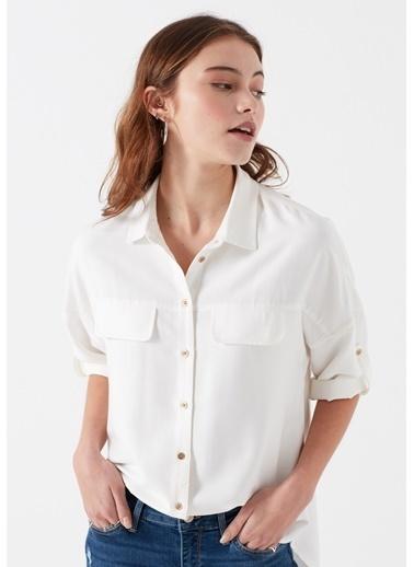 Mavi Cepli Gömlek Beyaz